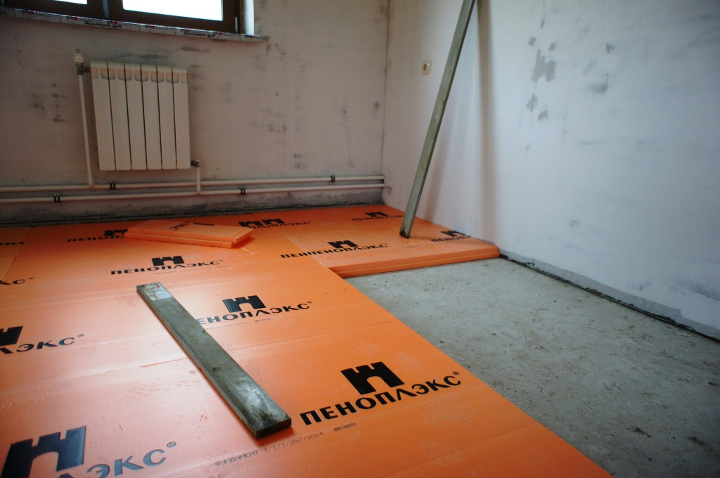 как укладывать пеноплекс на бетонный пол