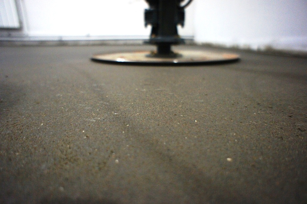 шлифовка поверхности завершена