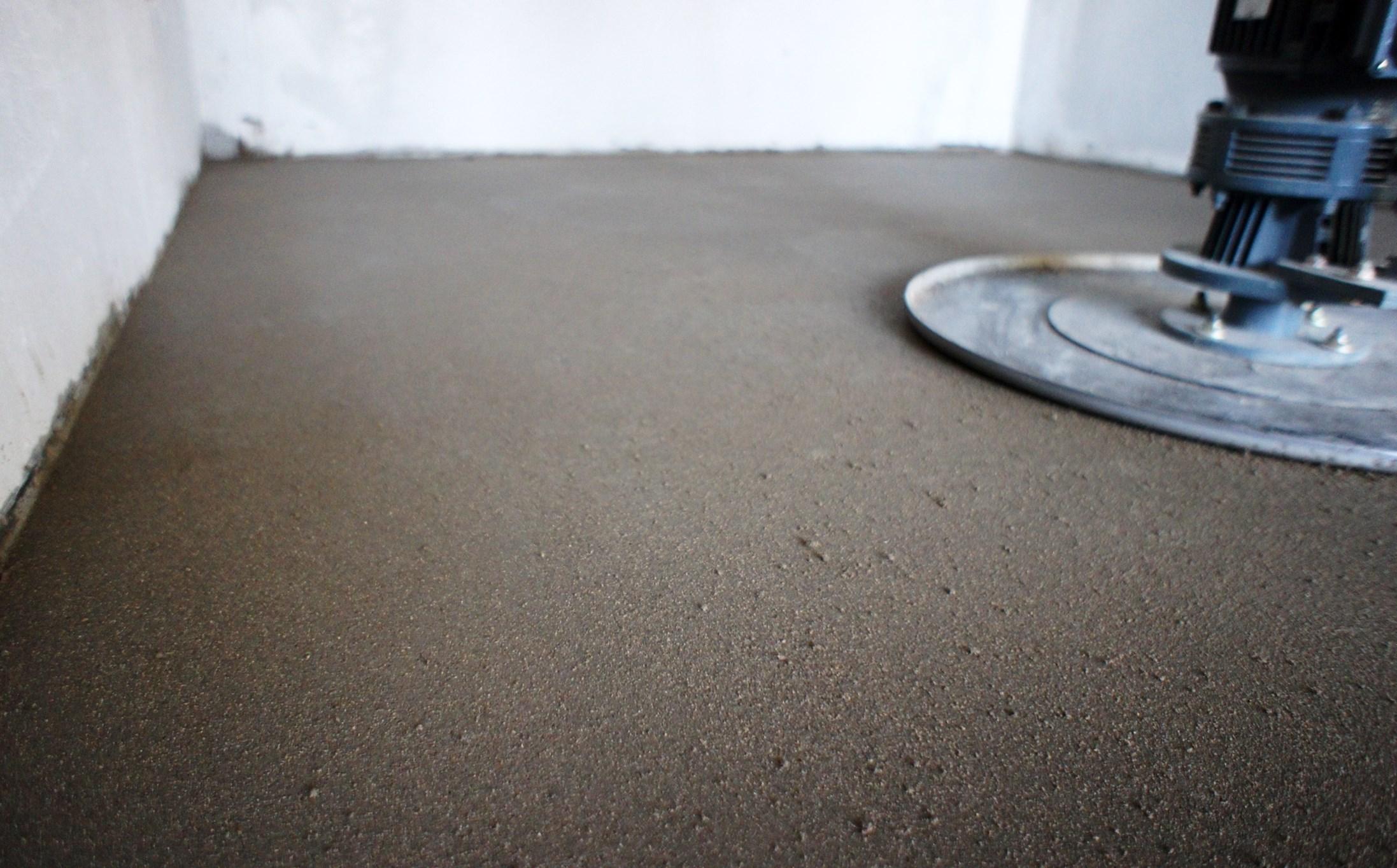 шлифованный слой цементно-песчаный