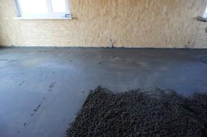 вытягивание цементно - песчаной смеси вручную