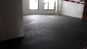 слой стяжки в офисном помещении готов