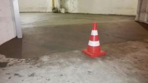 полусухая стяжка в гараже