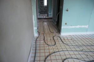водяной пол в коридоре