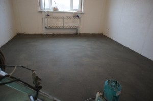 черновой цементно-песчаный пол