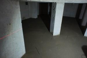 стяжка в подвальном помещении