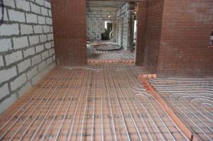 устройство стяжки на теплый пол в коридоре