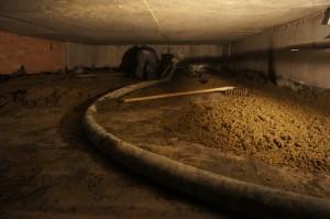 стяжка в подвале