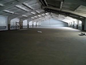 стяжка пола на складе завершена