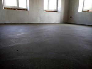 ровный цементно-песчаный пол